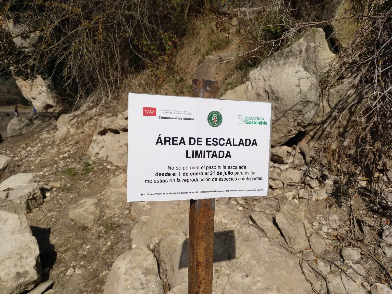 Placas de regulación en Los Alcores.