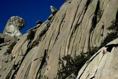 Las Oseras de La Pedriza, Parque Nacional del Guadarrama. Dani Castillo @Clownclimbing